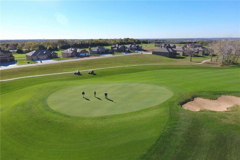 Blue Springs new construction golf course lots