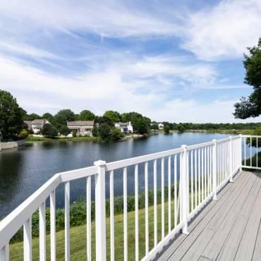 Blue Springs Lakefront: 1113 NE Waterfield Village Drive, 64014
