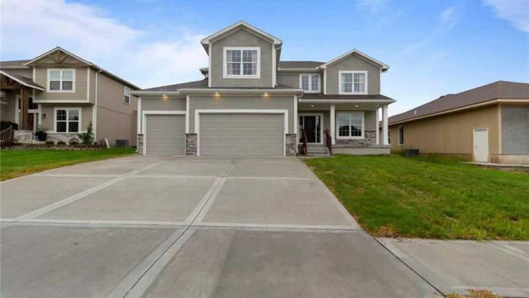 64063 Homes For Sale Lee's Summit, MO