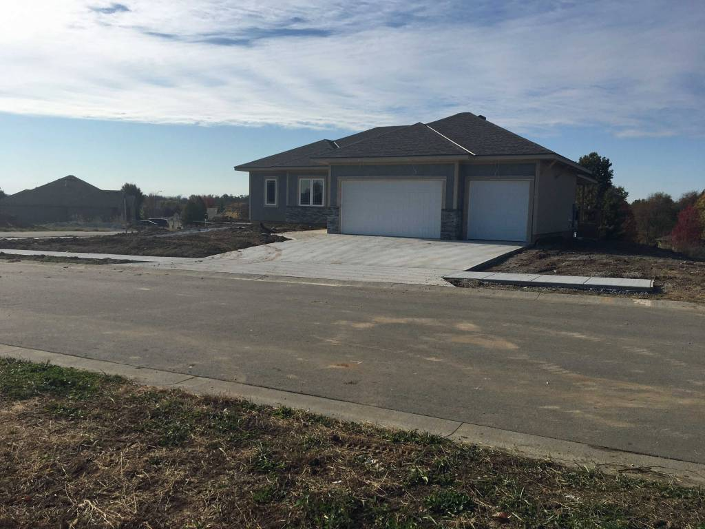 Blue Springs New Construction Home For Sale Four Pillars