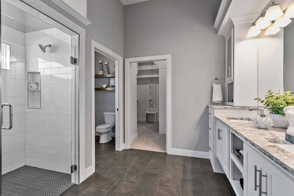 Dreams and Design Building Everest II Master Bathroom